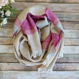 New Isaac Mizrahi Herr Pebble Pink Blanket Scarf